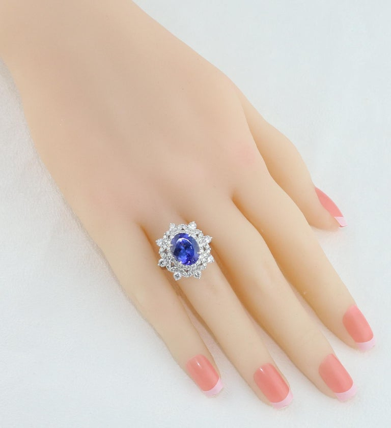 5.58 Carat Oval Tanzanite Diamond Cocktail Gold Ring In New Condition For Sale In New York, NY