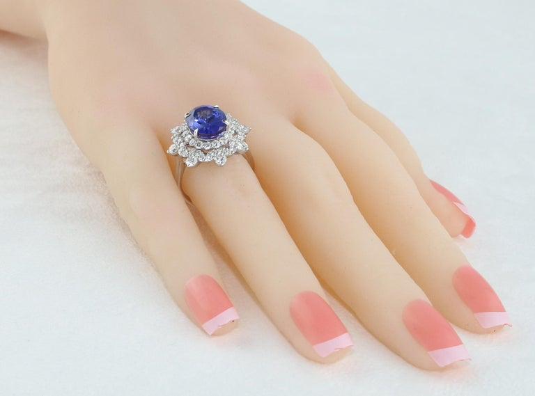 5.58 Carat Oval Tanzanite Diamond Cocktail Gold Ring For Sale 1