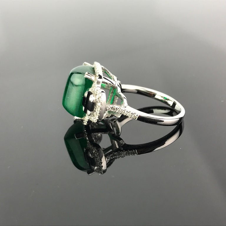 Art Deco 5.62 Carat Sugarloaf Shaped Emerald, Diamond and Black Onyx Cocktail Ring