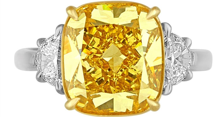 5.64 Carat Yellow Cushion Diamond Two-Color Gold Ring In Excellent Condition For Sale In New York, NY