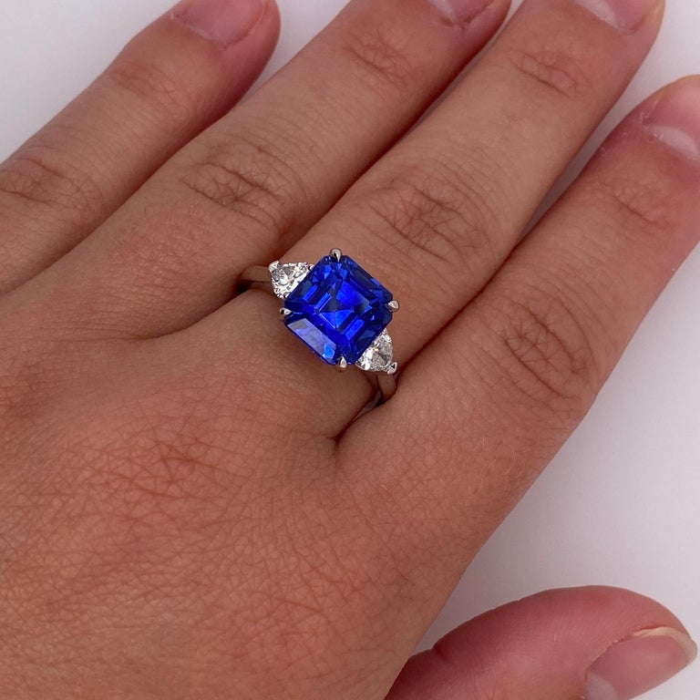 5.65 Carat Square Emerald Blue Sapphire and Diamond Ring In New Condition For Sale In New York, NY