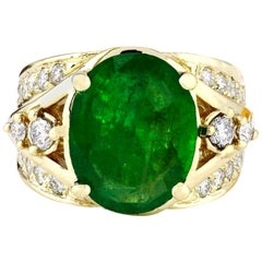 5.67 Carat Natural Emerald 18 Karat Solid Yellow Gold Diamond Ring