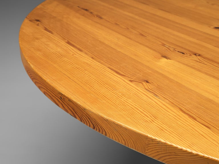 Mid-20th Century Spanish Dining Table in Solid Pinewood For Sale