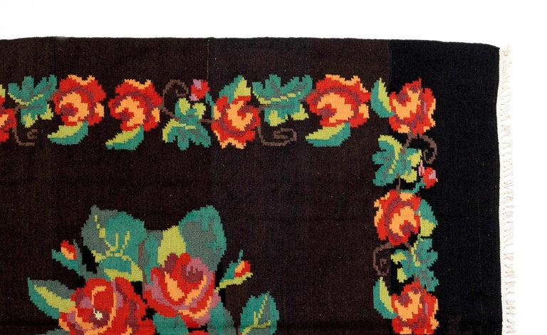 Bohemian 5.7x9.9 Ft Vintage Bessarabian Kilim, Floral Handwoven Wool Rug from Moldova For Sale