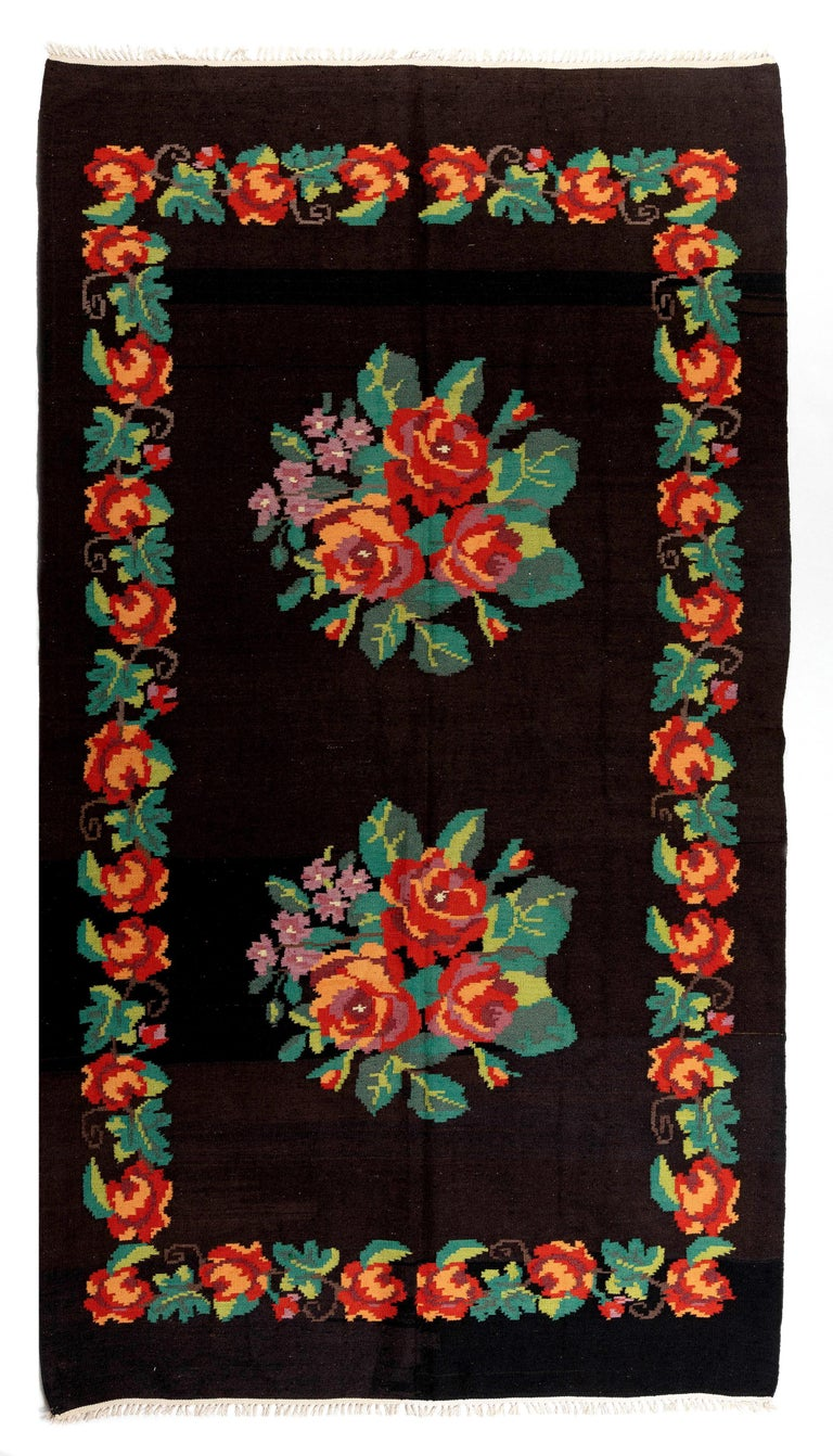 5.7x9.9 Ft Vintage Bessarabian Kilim, Floral Handwoven Wool Rug from Moldova In Good Condition For Sale In Philadelphia, PA