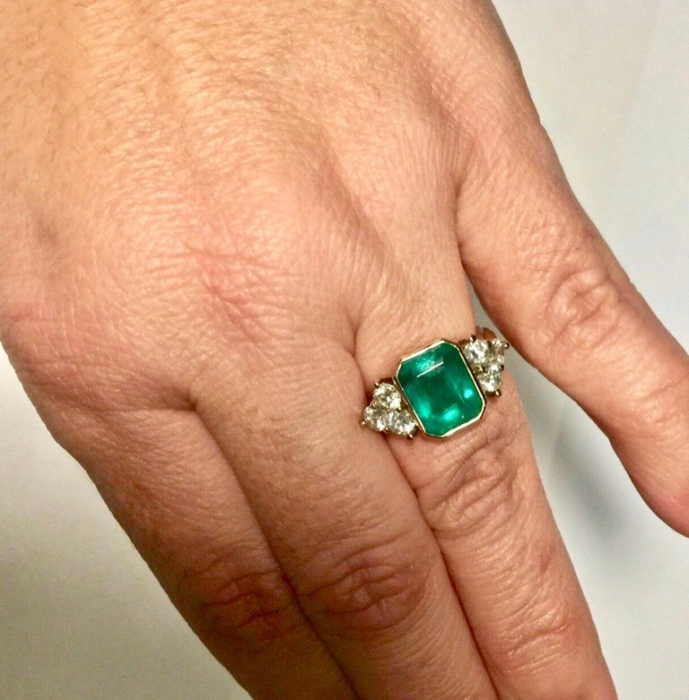 Emerald Cut 5.7 Carat Colombian Emerald Diamond Engagement Ring 18 Karat For Sale