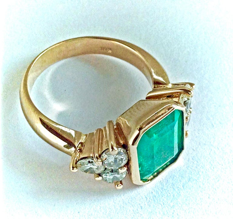 Contemporary 5.7 Carat Colombian Emerald Diamond Engagement Ring 18 Karat For Sale