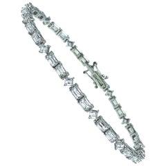 5.72 Carat Emerald Square Cut White Diamond White Gold Setting Tennis Bracelet