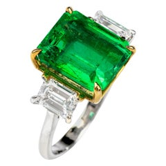 5.75 Carat Colombian Emerald and Diamond 18 Karat White Gold Three-Stone Ring