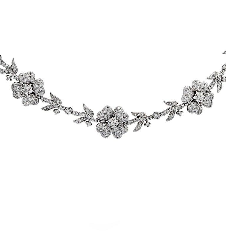 5.75 Carat Diamond Flower Necklace For Sale 1