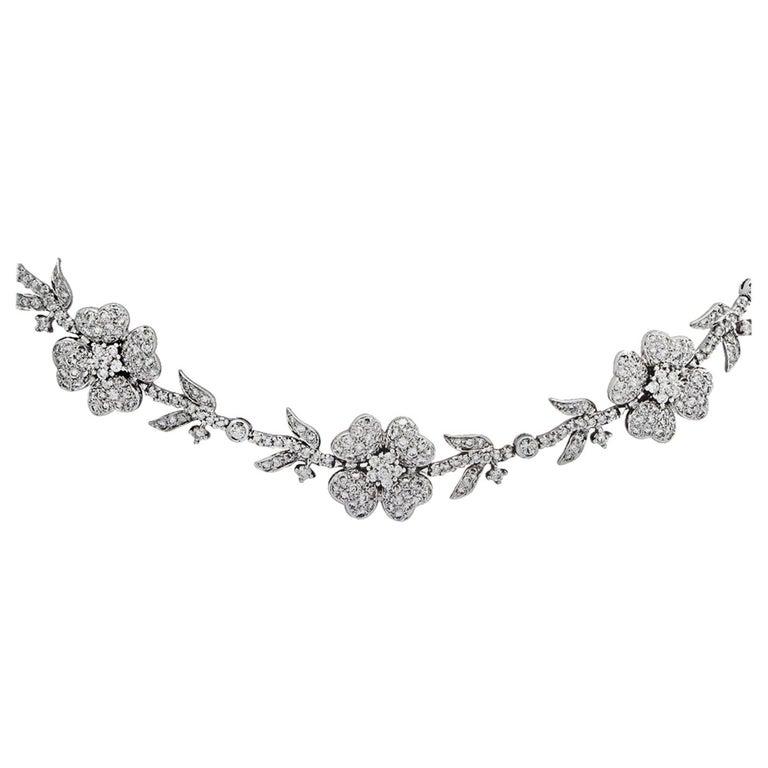 5.75 Carat Diamond Flower Necklace For Sale