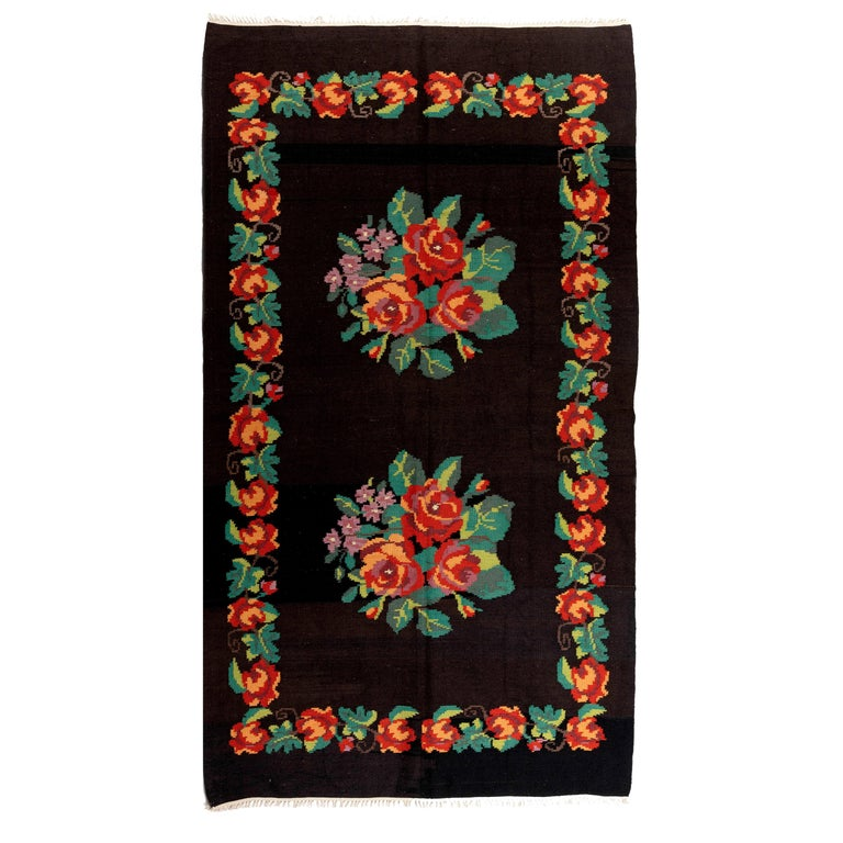5.7x9.9 Ft Vintage Bessarabian Kilim, Floral Handwoven Wool Rug from Moldova For Sale
