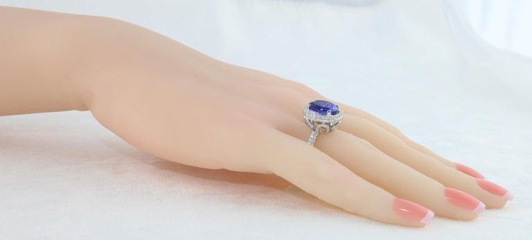 Women's 5.83 Carat Oval Tanzanite Diamond Gold Ring For Sale