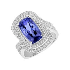 5.85 Carat Genuine Tanzanite and White Diamond 14 Karat White Gold Ring