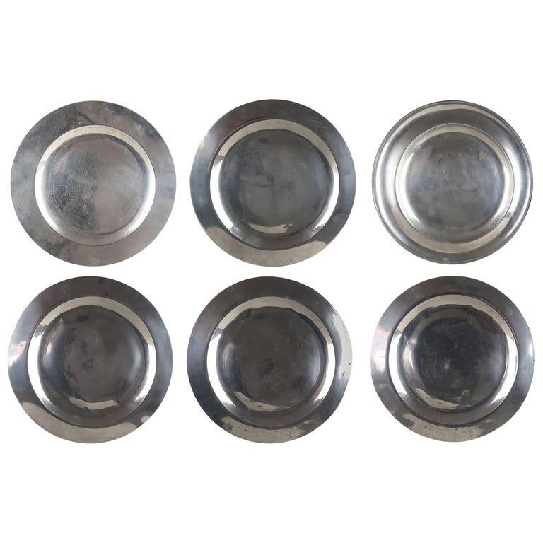 6 Antique Brightly Polished Pewter Chargers, English, 18th Century For Sale