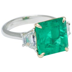 6 Carat Colombian Emerald and Diamond Ring