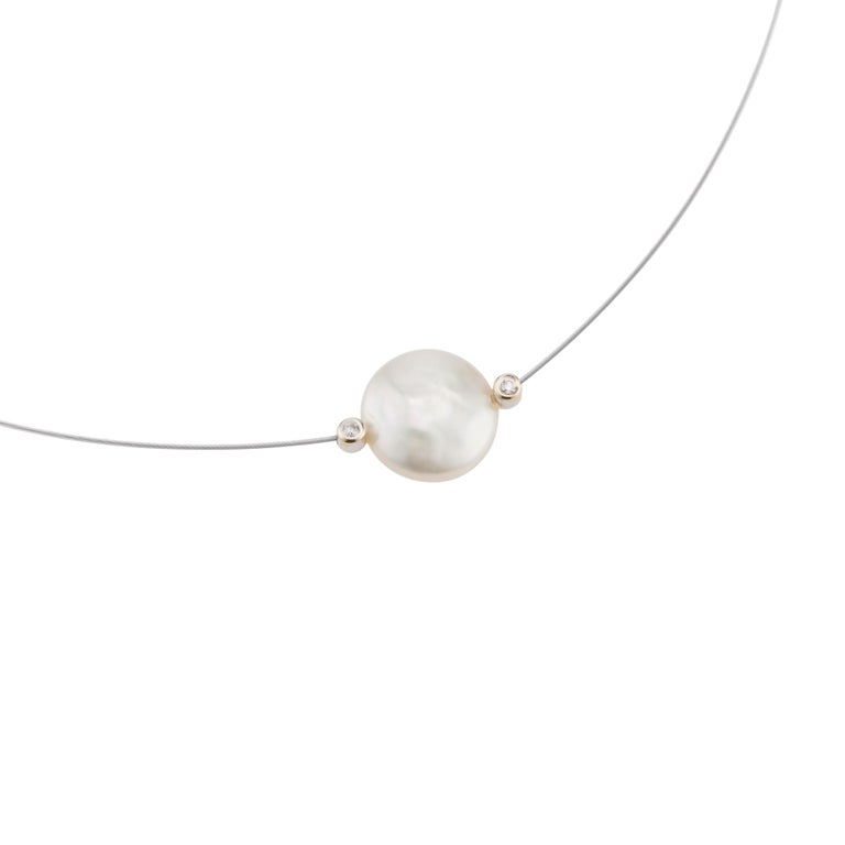 .6 Carat Diamond Cultured Freshwater Pearl White Gold Wire Necklace In Excellent Condition For Sale In Stamford, CT