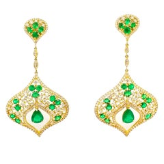 6 Carat Emerald 4.2 Carat Diamond Red Carpet Statement Drop Earrings Yellow Gold