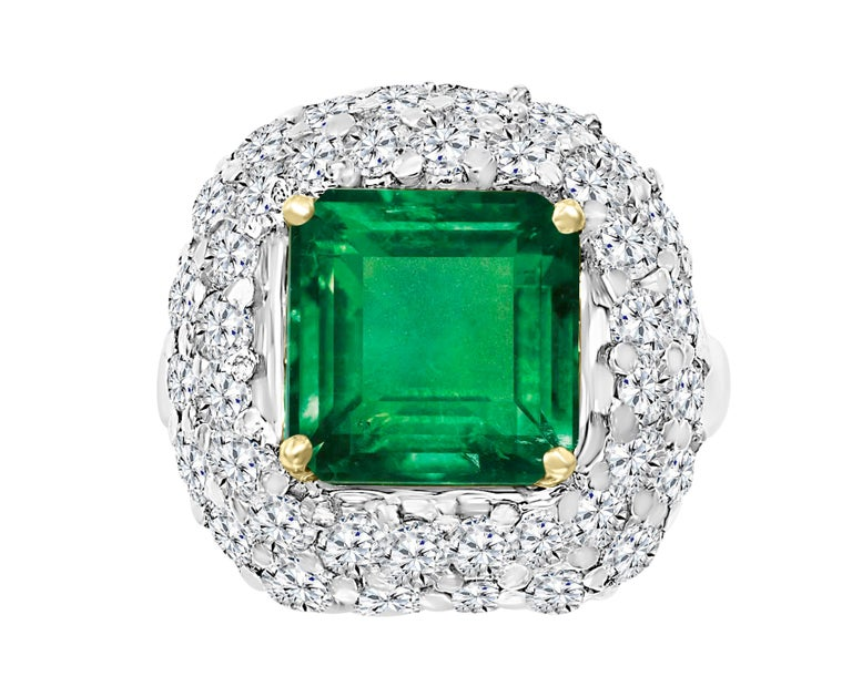 6 Carat Emerald Cut Colombian Emerald and 4 Carat Diamond Ring Platinum Two-Tone For Sale 2