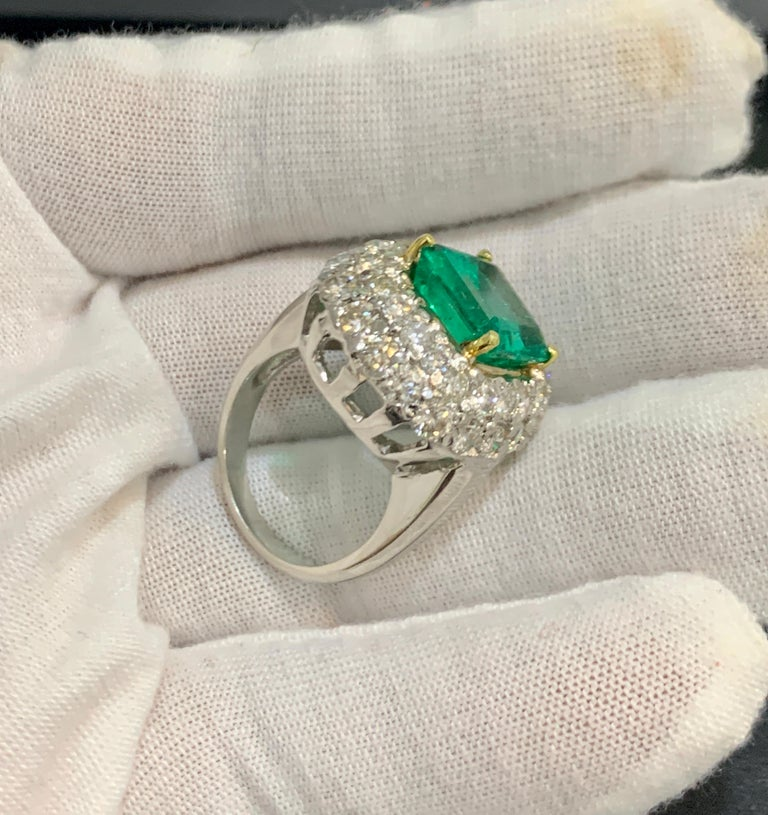 6 Carat Emerald Cut Colombian Emerald and 4 Carat Diamond Ring Platinum Two-Tone For Sale 4
