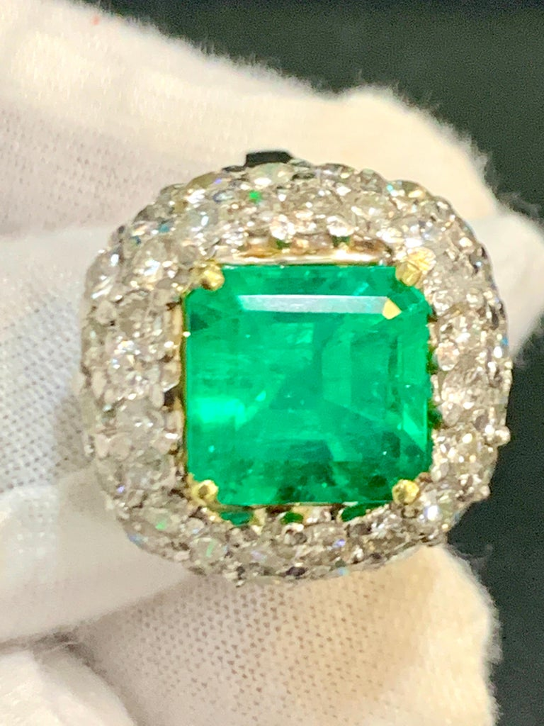 6 Carat Emerald Cut Colombian Emerald and 4 Carat Diamond Ring Platinum Two-Tone For Sale 5