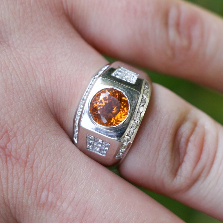 6 Carat Garnet Ring with 2.40 Carats of Diamonds In Excellent Condition For Sale In Carlsbad, CA