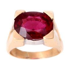 6 Carat Oval Rubelite 18 Karat Yellow Gold Ring