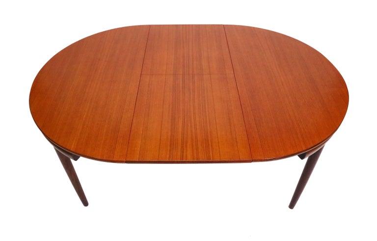 Scandinavian Modern Six-Chair Dining Set by Hans Olsen for Frem Røjle For Sale