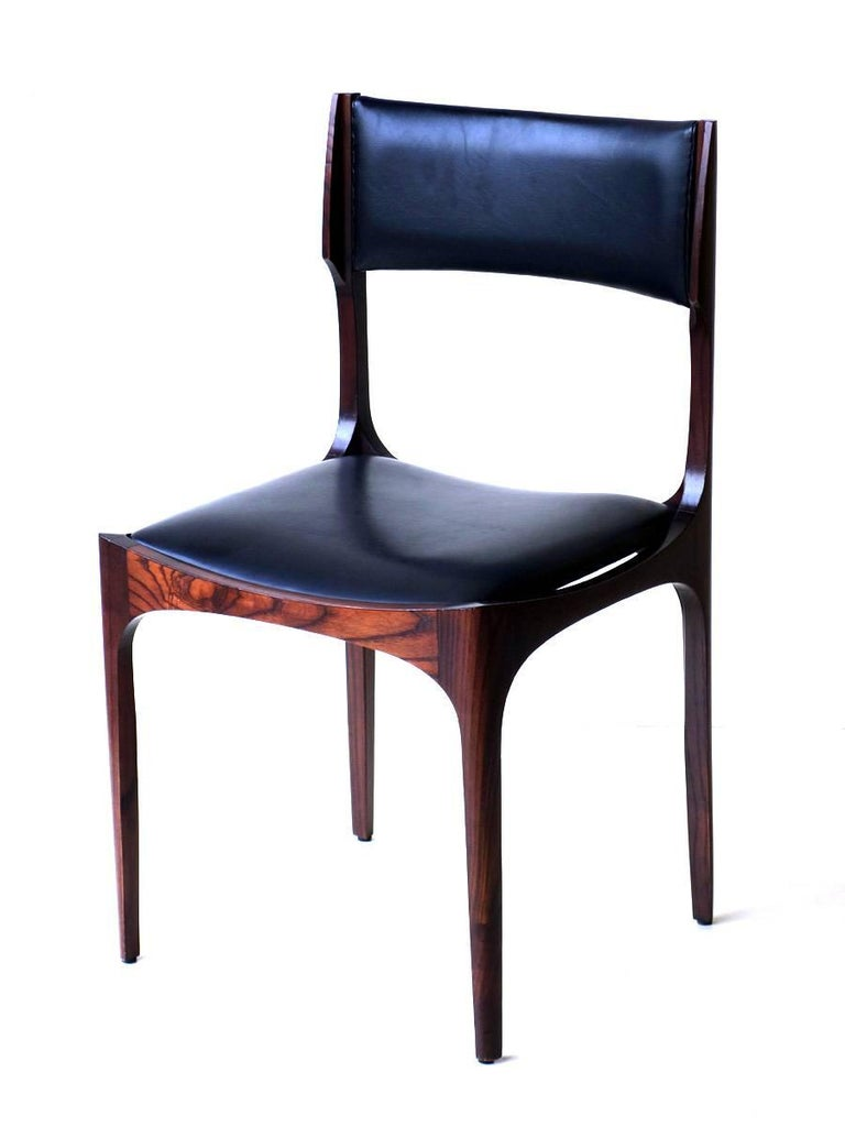 Giuseppe Gibelli by Sormani Set of six chairs Rosewood and black leather Excellent condition.