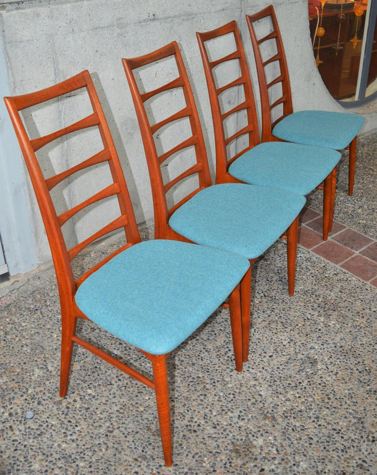 6 Danish Teak Liz Dining Chairs by Koefoeds Hornslet, 2 Armchairs, Blue Wool For Sale 9