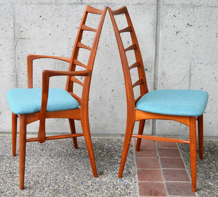 6 Danish Teak Liz Dining Chairs by Koefoeds Hornslet, 2 Armchairs, Blue Wool In Good Condition For Sale In New Westminster, British Columbia