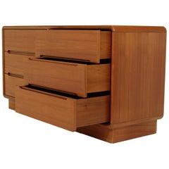 6-Drawer Dresser Made by Sun Cabinet