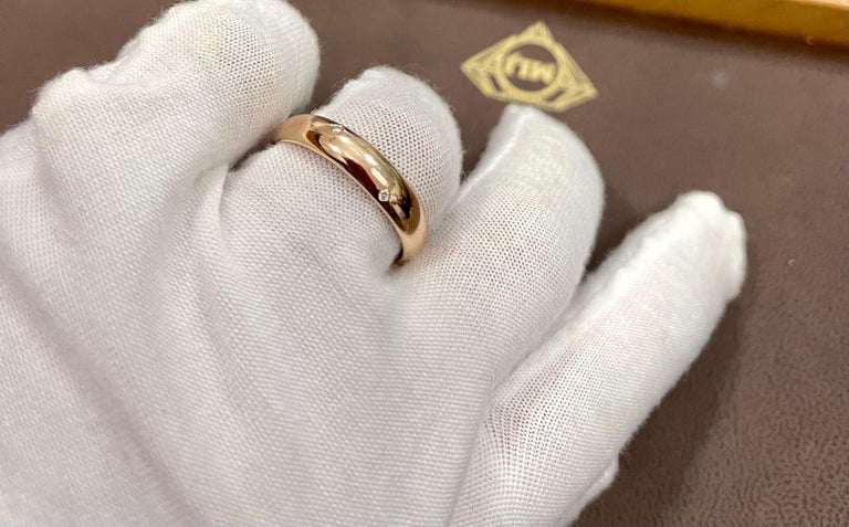 6 Flush Set Bezel Diamond Eternity Wedding Band in 18 Karat Yellow Gold For Sale 4