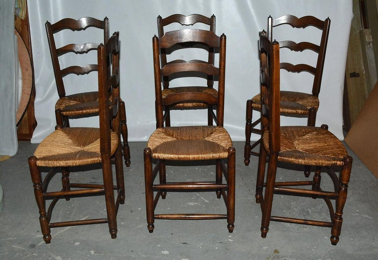 6 French Provincial Country Style Ladder Back Dining Chairs In Good Condition For Sale In Great Barrington, MA