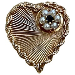 6 Pearl and Sapphire Heart Shaped 14 Karat Gold Pin or Broach Affordable, Estate