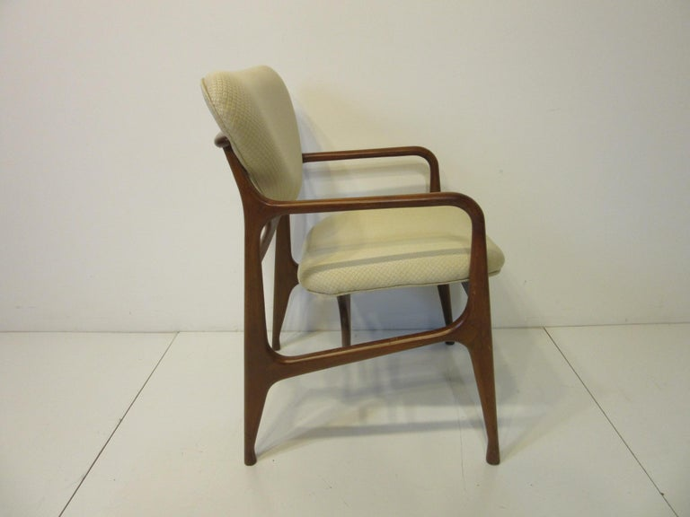 6 Sculptural Wood and Upholstered Dining Chairs in the style of Finn Juhl For Sale 1