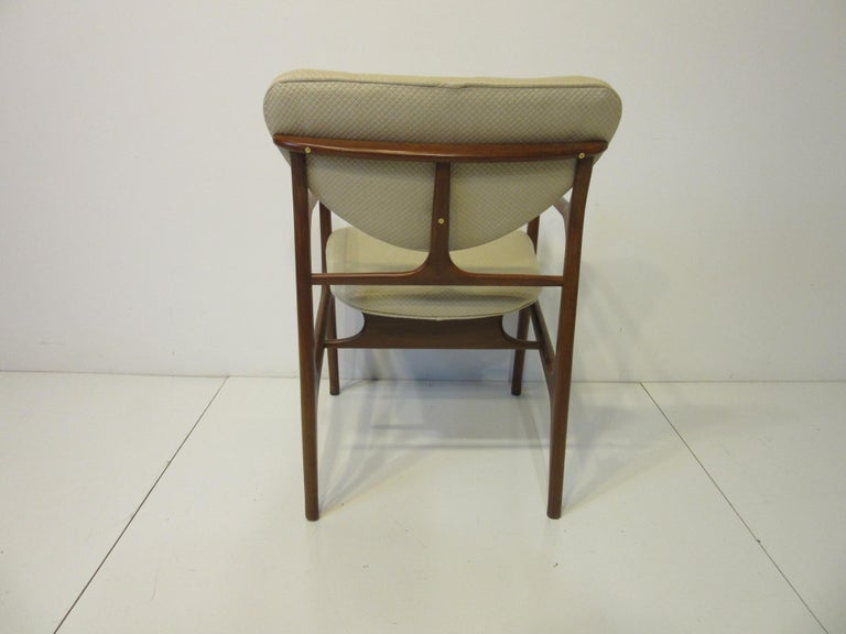 6 Sculptural Wood and Upholstered Dining Chairs in the style of Finn Juhl For Sale 2