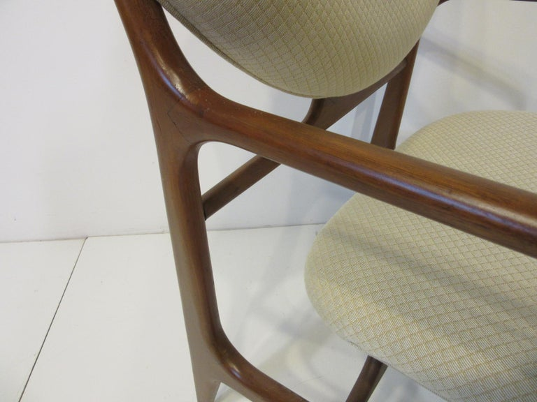 6 Sculptural Wood and Upholstered Dining Chairs in the style of Finn Juhl For Sale 3