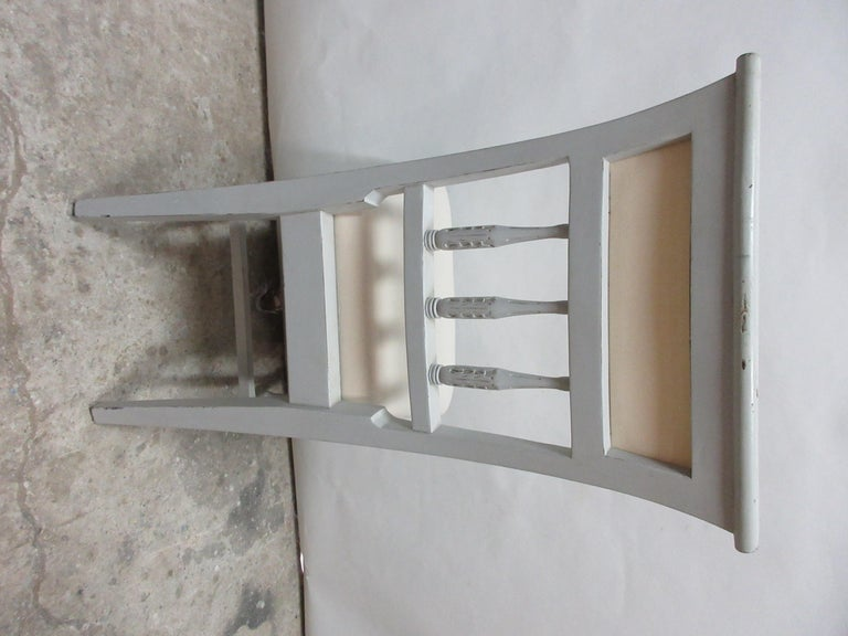 6 Swedish Gustavian Side Chairs In Distressed Condition For Sale In Hollywood, FL