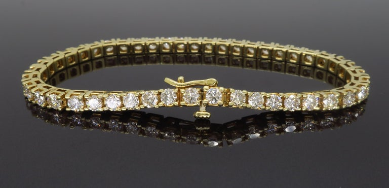 6.00 Carat Diamond Tennis Bracelet In Excellent Condition For Sale In Webster, NY