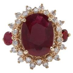 6.00 Carat Impressive Red Ruby and Diamond 14 Karat Yellow Gold Ring