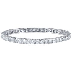 6.00 Carat Total Round Brilliant Diamond Bangle Bracelet in 18 Karat White Gold