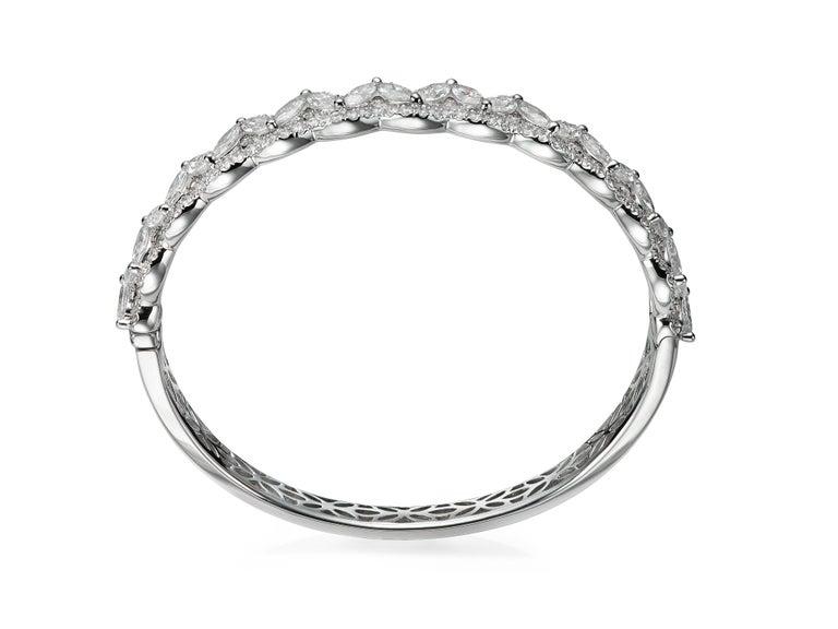 Marquise Cut 6.08 Carat Marquise Round Diamond 18 Karat White Gold Bangle Bracelet For Sale