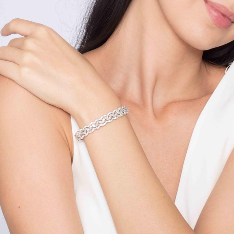 6.08 Carat Marquise Round Diamond 18 Karat White Gold Bangle Bracelet For Sale 2