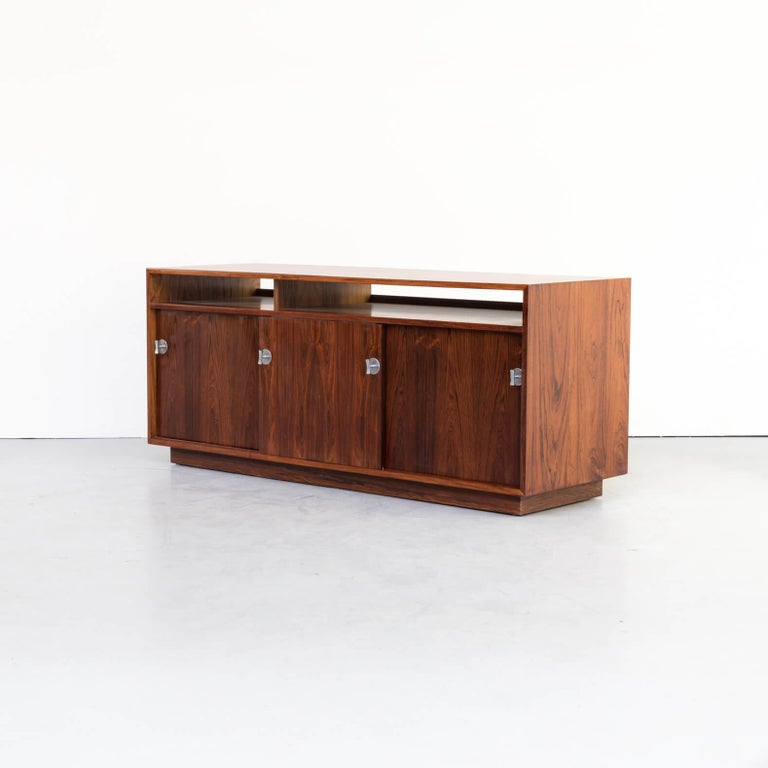 1960s Finn Juhl Rosewood Side, Lowboard from the Diplomat Series for Cado In Good Condition For Sale In Amstelveen, Noord