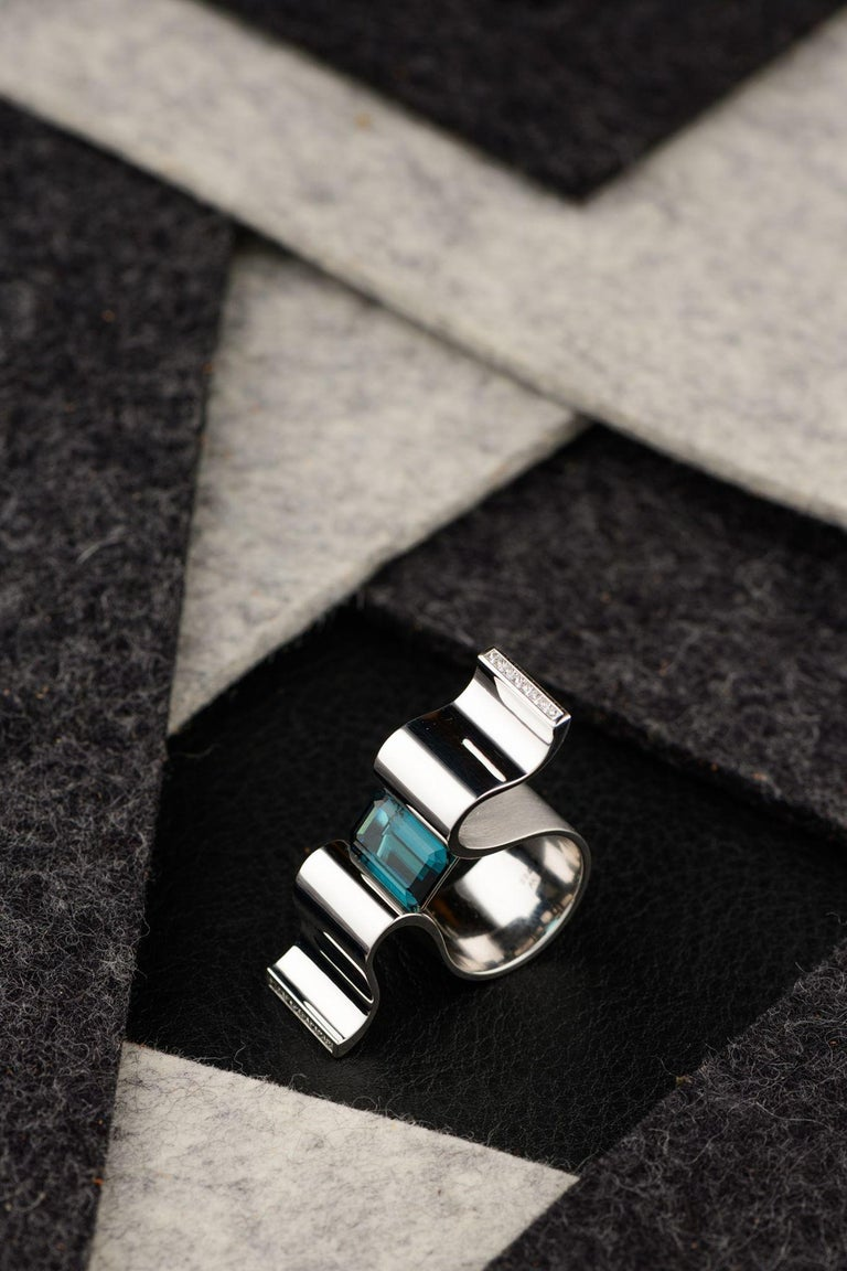 """6.13 Carat Indicolite Diamond White Gold Ring """"Wave"""" Wagner Collection For Sale 5"""