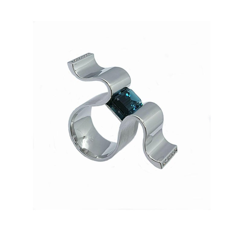 """6.13 Carat Indicolite Diamond White Gold Ring """"Wave"""" Wagner Collection In New Condition For Sale In Berlin, DE"""