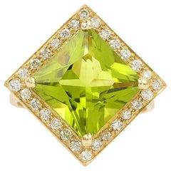 6.13 Carat Peridot Diamonds 18 Carat Yellow Gold Ring