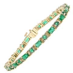 6.20 Carat Rectangle Cut Emerald and Diamond Bracelet, 14 Karat Yellow Gold Link