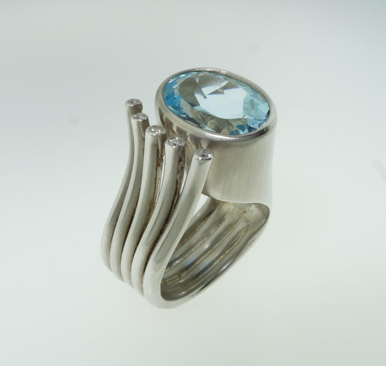 6.20 Carat Sky Blue Topaz Ring In New Condition For Sale In Montreal, QC